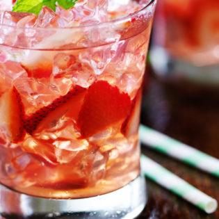 Strawberry Rosé Lime Spritzer