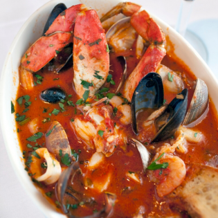 Red Wine Seafood Cioppino